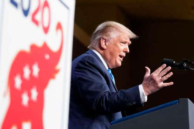 Donald Trump s'adresse aux délégués après avoir été officiellement désigné candidat lors de la convention du Parti républicain à Charlotte,en Caroline du Nord, le 24 août 2020.