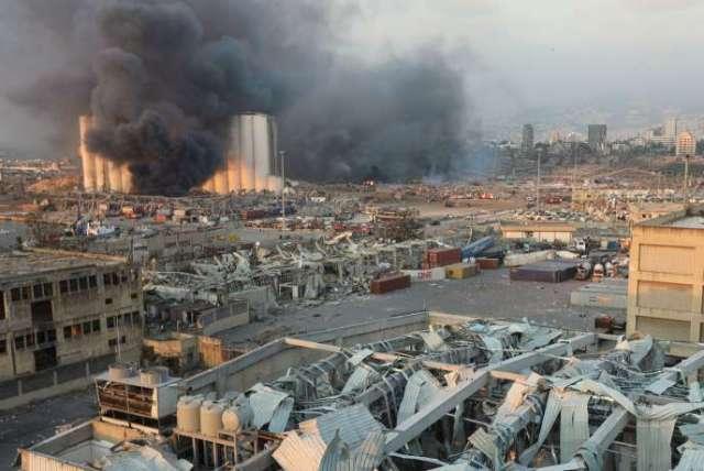 Près du port de Beyrouth, à proximité de l'épicentre de l'explosion, mardi 4 août en fin de journée.