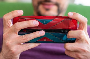 Gaming on the nubia Red Magic 5S