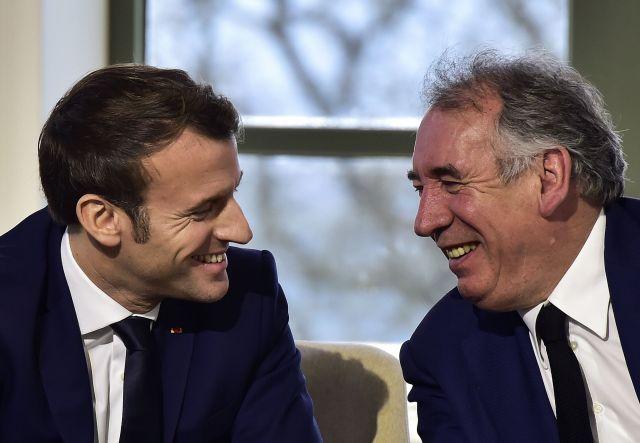 Emmanuel Macron a choisi son allié François Bayrou pour le poste de Haut commissaire au...