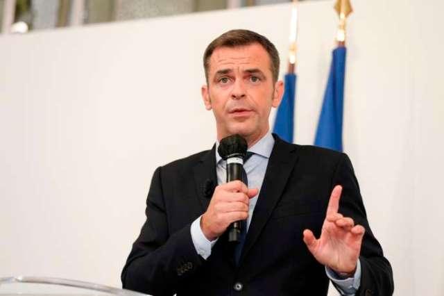 Olivier Véran lors de sa conférence de presse depuis son ministère de la santé à Paris, jeudi 17 septembre.