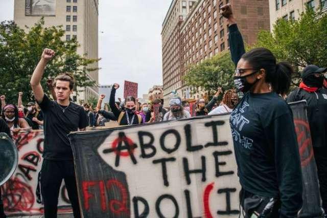 Manifestation contre le traitement judiciaire de l'affaireBreonna Taylor à Louisville (Kentucky), le 23 septembre.