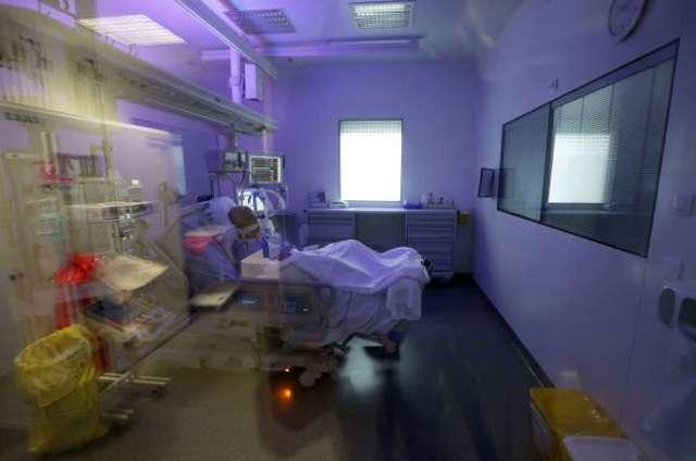 Un patient atteint du Covid-19, à l'hôpital européen de Marseille, le 8 septembre.