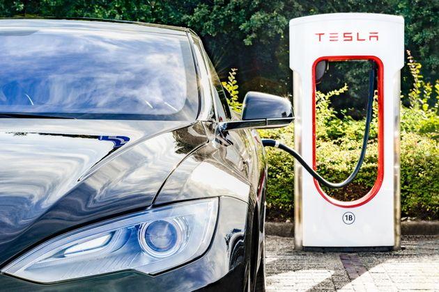 Tesla annonce une voiture électrique à 25 000 dollars pour 2023