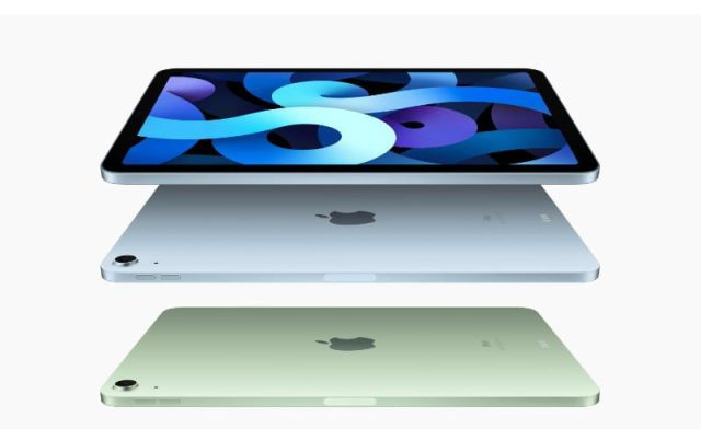 iPad Air (4th generation) in Sky Blue and Green