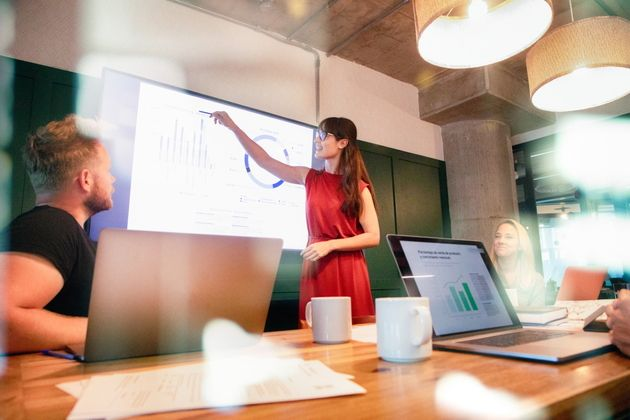Comment l'IT et les commerciaux peuvent collaborer pour stimuler la croissance et l'innovation en entreprise