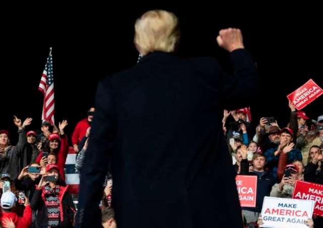 Donald Trump lors d'un rassemblement pour soutenir les candidats républicains au Sénat, à Valdosta, en Géorgie, le 5 décembre.