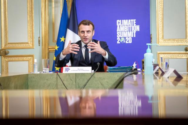 Emmanuel Macron lors de la visioconférence du sommet de l'ONU consacré au climat, le 12 décembre.