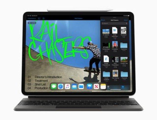 Apple new iPad Pro apple pencil and smart keyboard folio 03182020