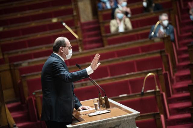 Le premier ministre, Jean Castex, prend la parole à l'Assemblée nationale sur l'évolution de la situation sanitaire, le 1er avril.