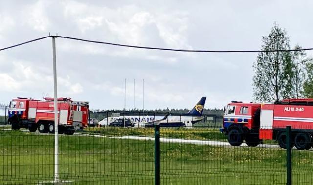 Un Boeing 737-8AS de Ryanair est garé sur le tarmac de l'aéroport international de Minsk, en Biélorussie, le 23mai2021.