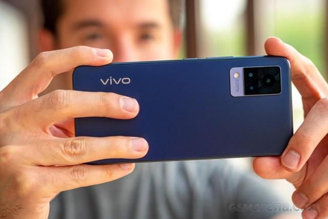 vivo V21 5G in for review