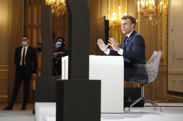 Le président de la République, Emmanuel Macron, lors de la conférence de presse sur la politique étrangère de la France, à l'Elysée, jeudi 10 juin.