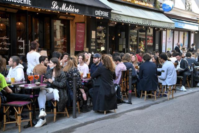 Des terrasses parisiennes, le 19 mai 2021.