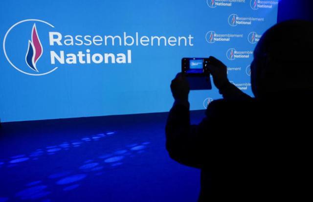 Durant un meeting du Rassemblement national, à Bron (Rhône), le 1er juin 2018.