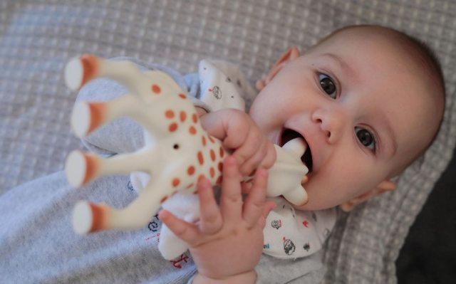 Illustration. Chez les garçons, Léo devance désormais Gabriel dans les prénoms les plus donnés aux bébés. LP/Fred Dugit