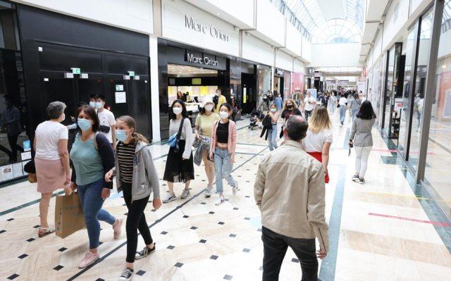 Déjà obligatoire pour les salariés et les clients des lieux culturels, le pass sanitaire va bientôt être étendu notamment àcertains centres commerciaux, ainsi qu'aux cafés et restaurants. LP/Jean-Baptiste Quentin