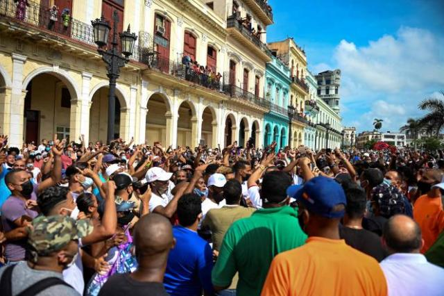 Les Cubains sont descendus spontanément dans la rue, dimanche 11 juillet.