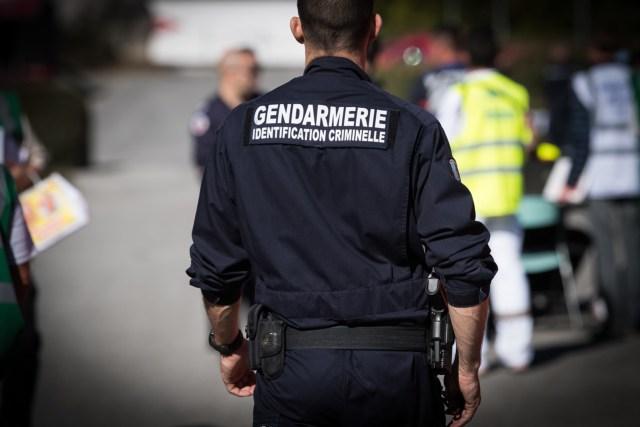Les gendarmes de la section de recherches de Toulouse sont chargés de l'enquête après la découverte du corps d'une quinquagénaire à Terrebasse (Haute-Garonne), tuée par arme à feu jeudi 8 juillet 2021