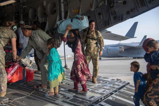 Malgré une situation chaotique à l'aéroport de Kaboul, 88000personnes ont été évacuées sur des vols américains ou occidentaux depuis le 14août.
