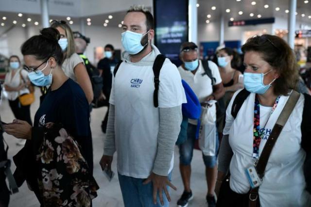 Des volontaires du CHU de Nancy s'apprêtent à embarquer pour les Antilles, vendredi20août2021.