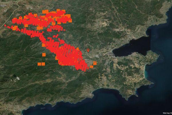 Lundi soir, le village de Grimaud a été touché à l'ouest par les flammes. Le secteur reste très surveillé avec des inquiétudes autours de la D14 ce mercredi après-midi.