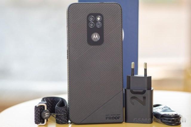Motorola Defy (2021) in for review