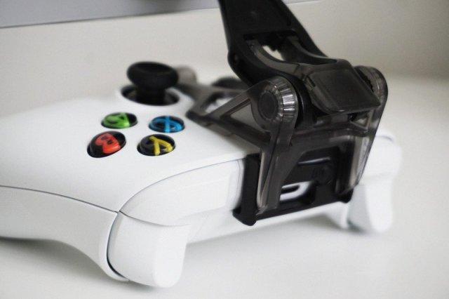 OtterBox MagSafe Xbox Clip