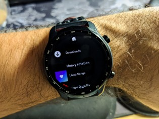 Spotify playlists can be downloaded offline on Wear OS with a Premium subscription