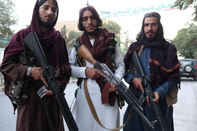 Des talibans, le 1er septembre 2021, dans les rues de Kaboul.