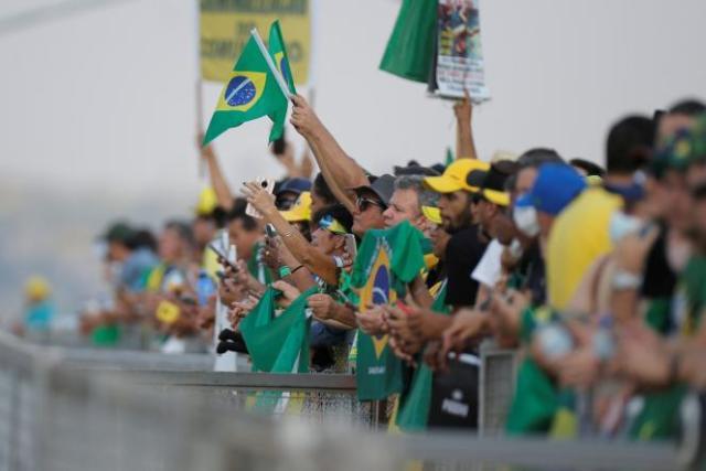 Des partisans de Jair Bolsonaro, devant le palais présidentiel du Planalto, à Brasilia, le 6 septembre 2021, à la veille des manifestations prévues lors la fête nationale du pays.