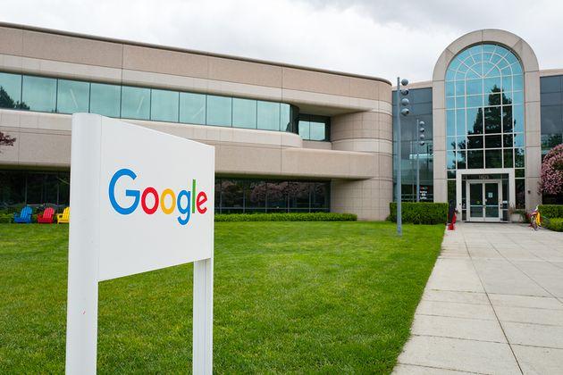 Google prolonge le télétravail jusqu'à janvier2022, au moins
