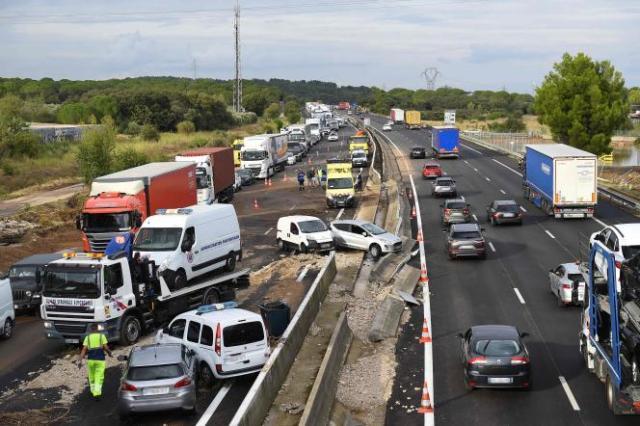 Les intempéries ont provoqué des dégats sur l'autoroute A9, à Bernis, le 14 septembre 2021.
