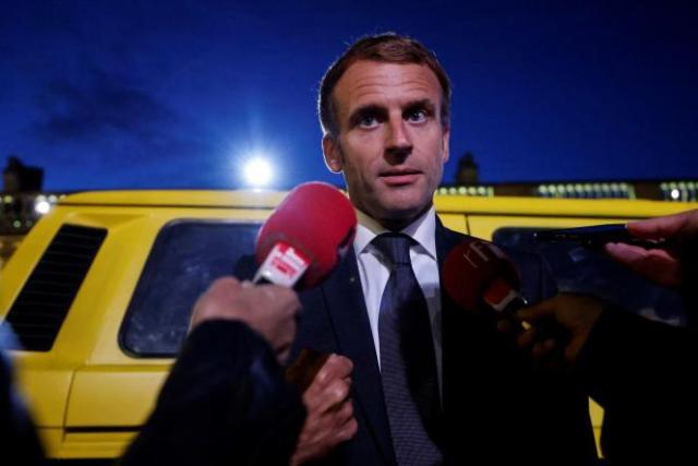 Le président français Emmanuel Macron lors du dîner de cloture la saison culturelle Africa 2020, le 30 septembre 2021, au palais de l'Elysée, à Paris.
