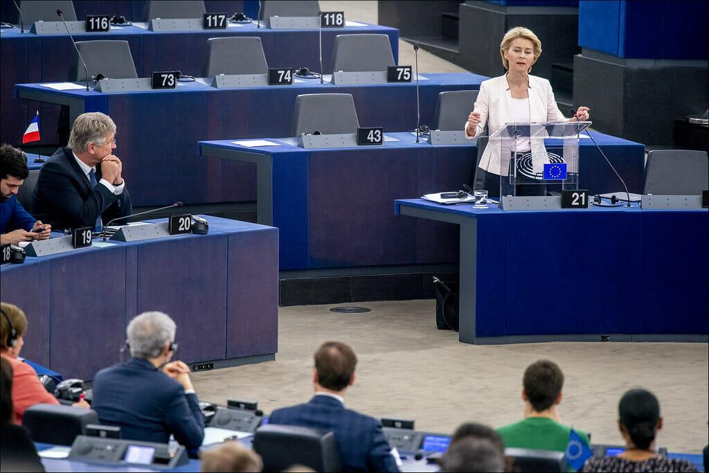 Ursula von der Leyen taglierà i fondi ai paesi omofobi dell'Unione