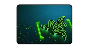 Razer Goliathus Control – Tapis de Souris Gaming Mouse Mat – Medium, Gravity Design