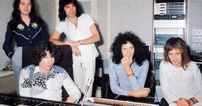 Queen grabando Bohemian Rhapsody en Rockfield con Roy Thomas Baker 1