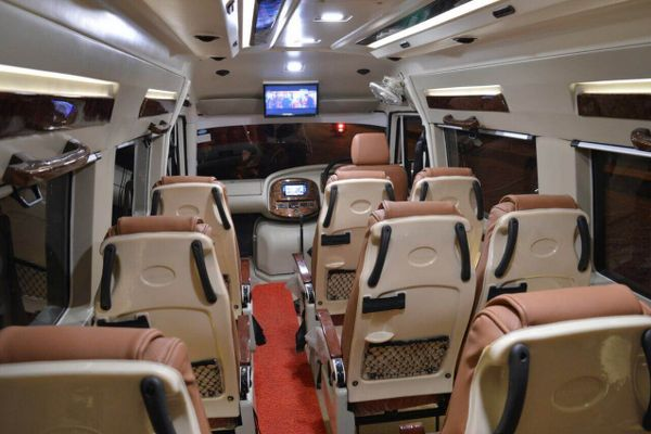 Tempo Traveller in Jaipur - Tempo Traveller Hire in Jaipur