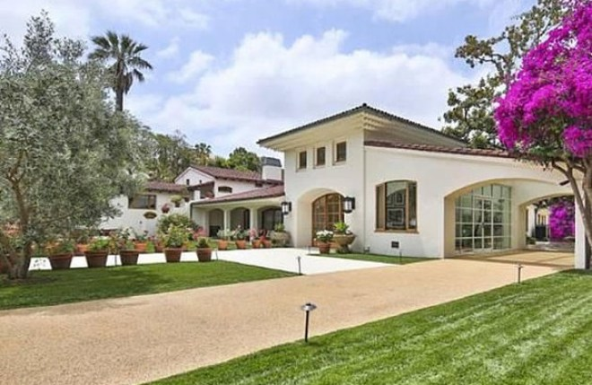 Bruce Willis' Beverly Hills Mansion up for sale $22 Million