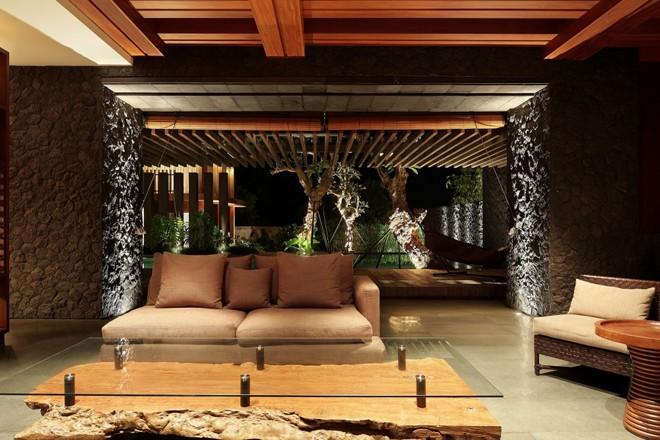Villa Pecatu in Indonesia by Wahana Cipta Selaras Architects