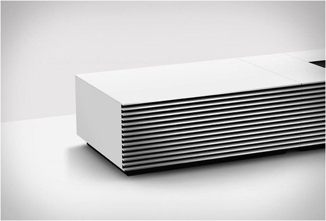 SONY INTRODUCING 4K ULTRA SHORT THROW PROJECTOR