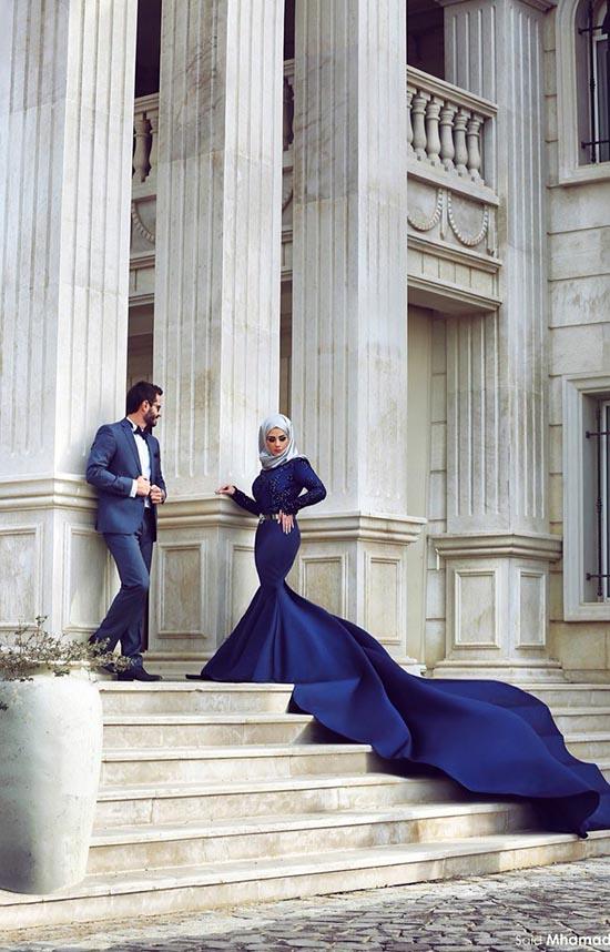 blue wedding couple