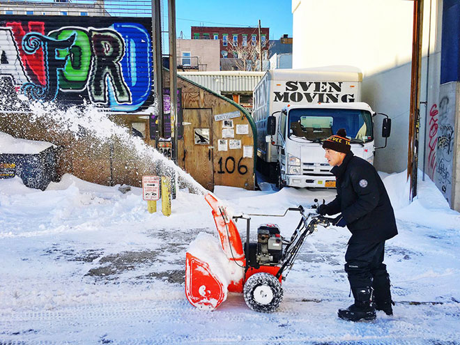 Incredible Photographs of New York City Winter Storm 2016 - a