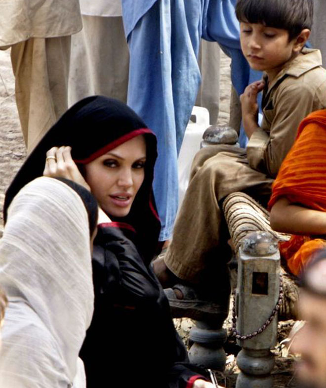 hollywood female celebs Angelina Jolie in Hijab 1