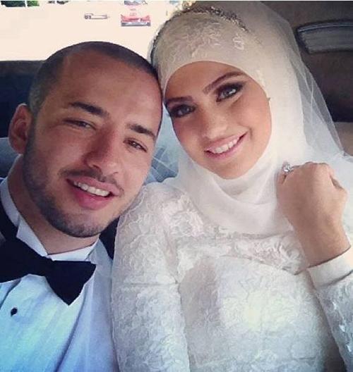wedding couple selfie