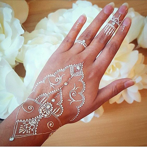 white simple mehndi designs for hands