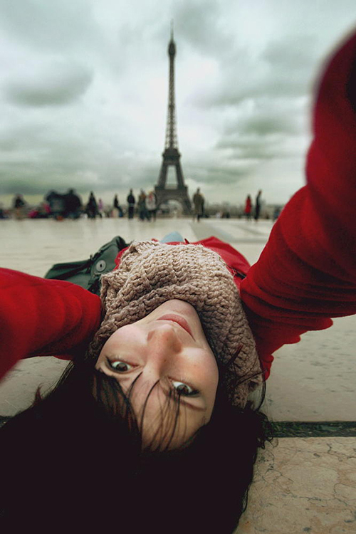 creative selfie poses ideas