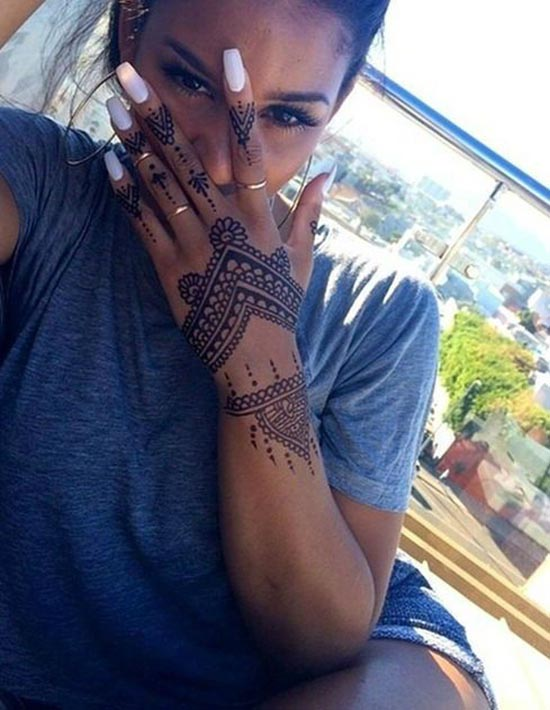 simple henna tattoos design