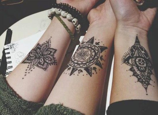 small henna tattoos designs for wrist