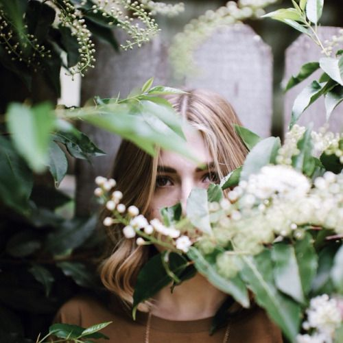 hidden-face-girl-pic